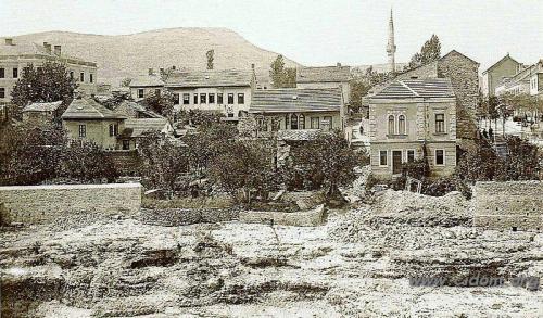 Franje Josipa ulica s obalom Neretve kod mosta 1905
